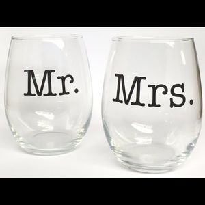 Other - Set of 2 (21oz) Stemless Wine Glasses.